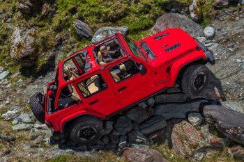 2018 Jeep JL Rubicon Rock Crawling